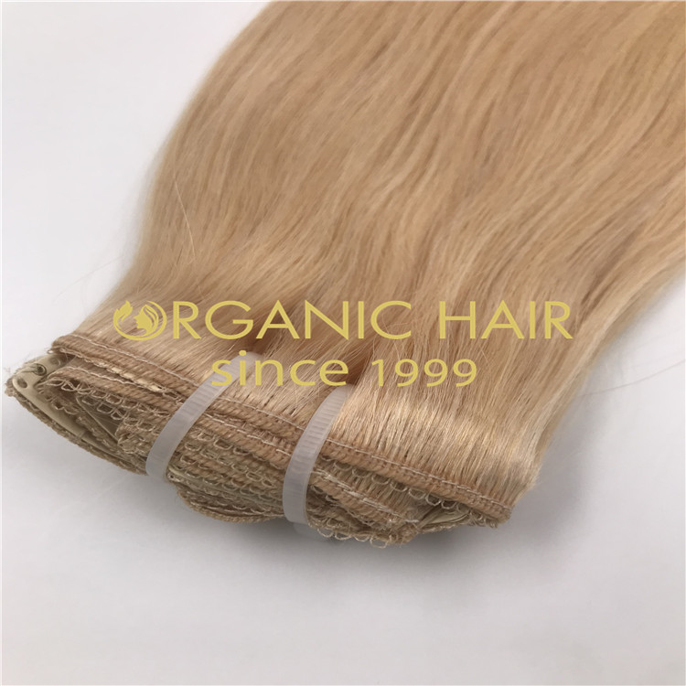 Blonde clip in hair extensions H267
