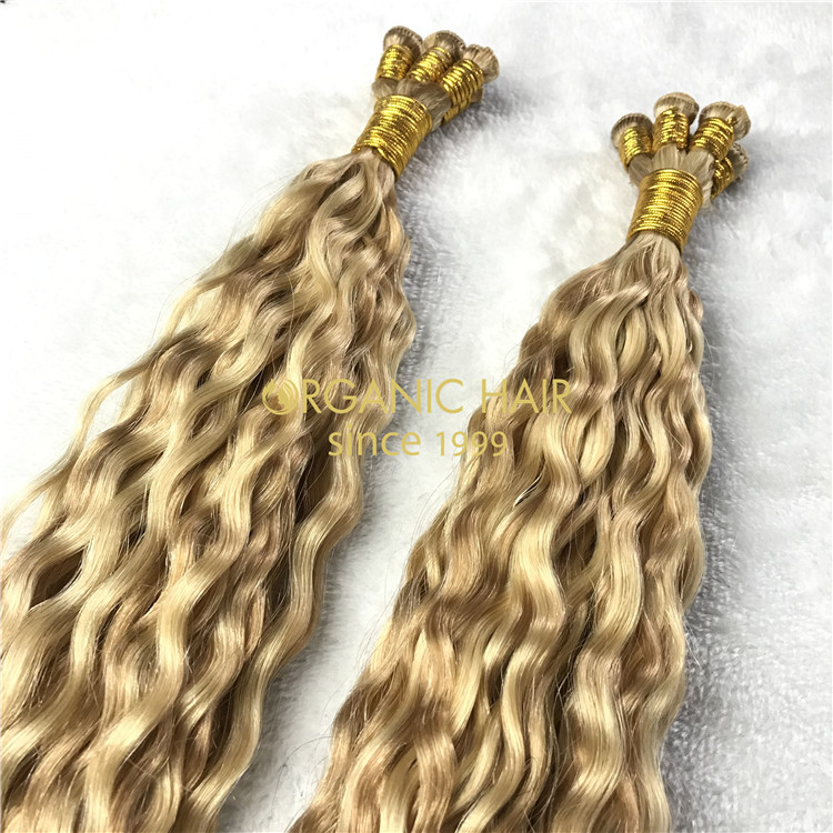 Human hand tied weft piano color #18/22 Curly X200